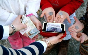 child-pocket-money_2525347b